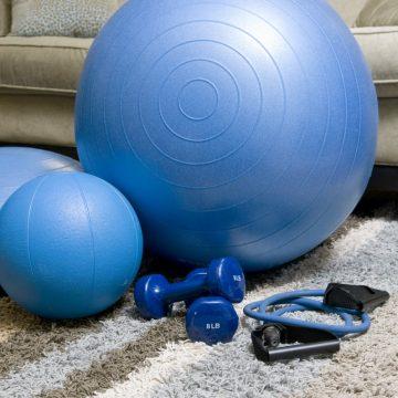 Dlaczego warto ćwiczyć z piłką gimnastyczną?
