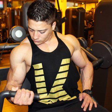 Wybór koszulki treningowej – czym się kierować?