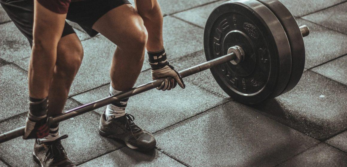 Masowe protesty po decyzji rządu o zamknięciu siłowni i klubów fitness. Treningi tylko w ramach zawodów lub edukacyjnych zajęć sportowych!