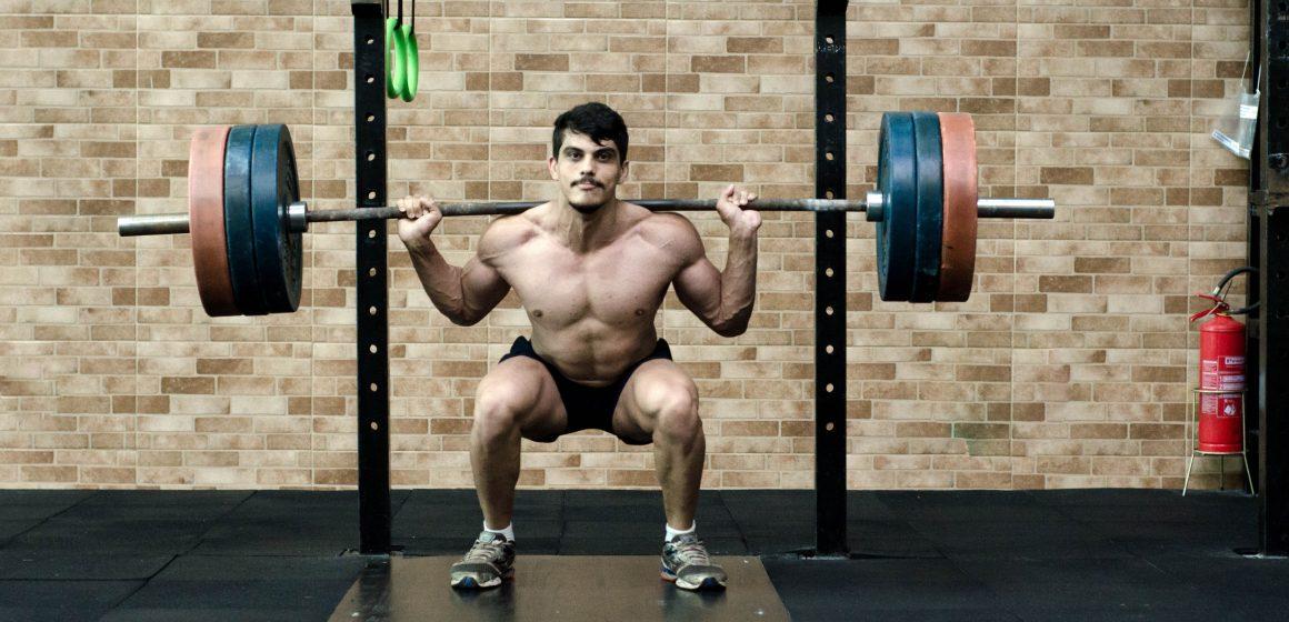 Irańczyk pobije rekord świata w przysiadzie? Brakuje już tylko kilkunastu kilogramów!