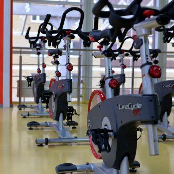 Koronawirus pogrąża branżę. Znana sieć klubów fitness ogłosiła upadłość