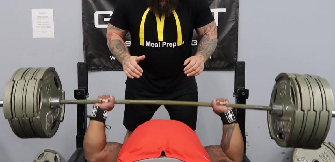 Mocne rozpoczęcie roku Juliusa Maddoxa. Amerykanin trzykrotnie wycisnął na ławeczce 322 kg!