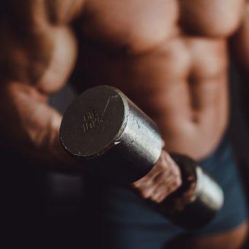"""Triumfator Mr. Olympia 2020 w kategorii 212 pracuje nad powiększeniem masy mięśniowej. """"Mój cel to minimum 225 funtów w okresie offseason"""""""