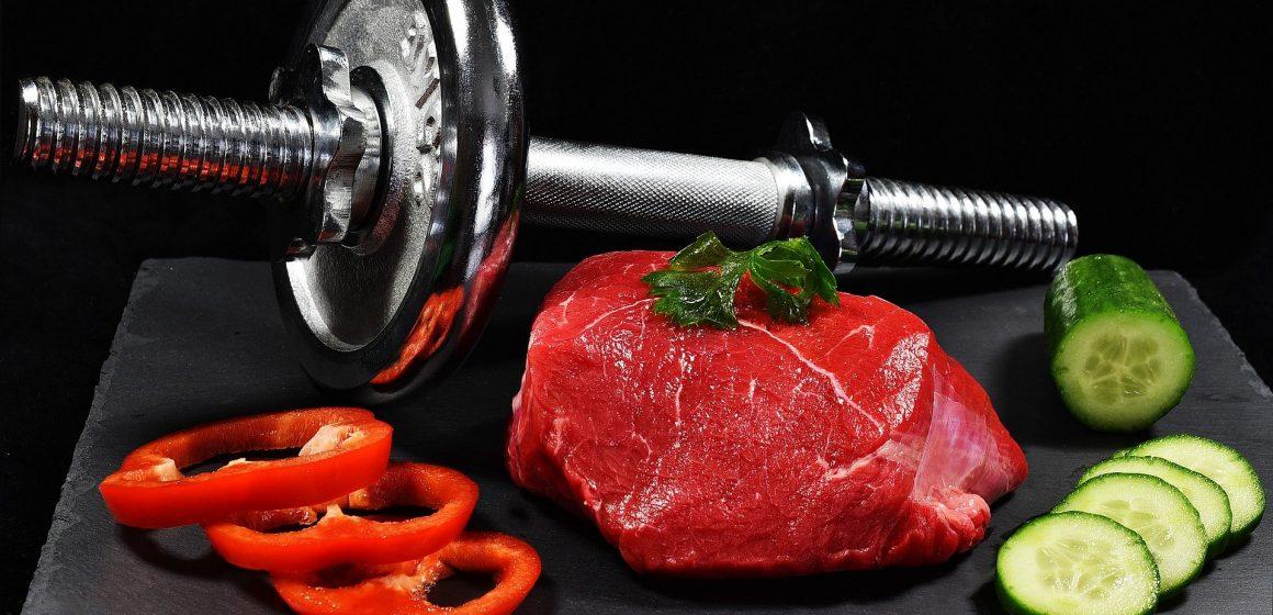 Jakie składniki odżywcze powinna zawierać dieta na zdrowe i silne mięśnie?