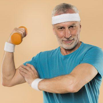 Siłownia, czyli antidotum na starzenie. Umięśnieni seniorzy prężą muskuły i inspirują świat!