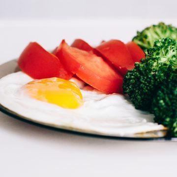Produkty, których nie warto jeść przed treningiem siłowym