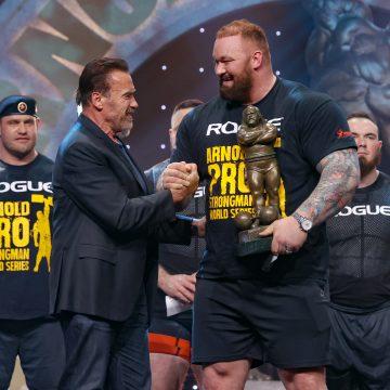 Niewiarygodna metamorfoza byłego mistrza świata strongman. Hafthor Bjornsson schudł 50 kilogramów w rok!