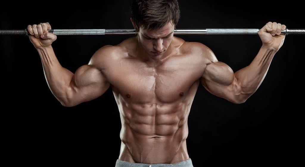 Twoje ciało podczas zawodów musi prezentować się nieskazitelnie? Poznaj zasady codziennej pielęgnacji męskiej skóry!