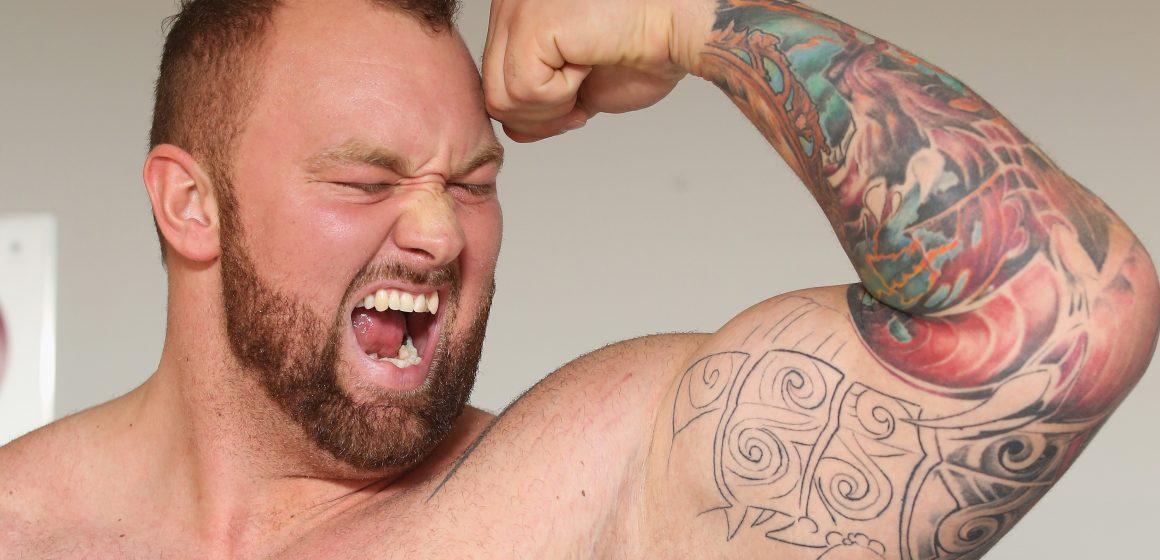 Potężne ciężary, a potem boks – Larry Wheels i Hafthor Bjornsson trenują razem!
