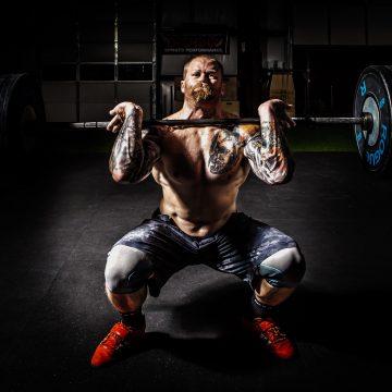 Wyciskanie francuskie – jak poprawnie wykonywać popularne ćwiczenie na triceps?